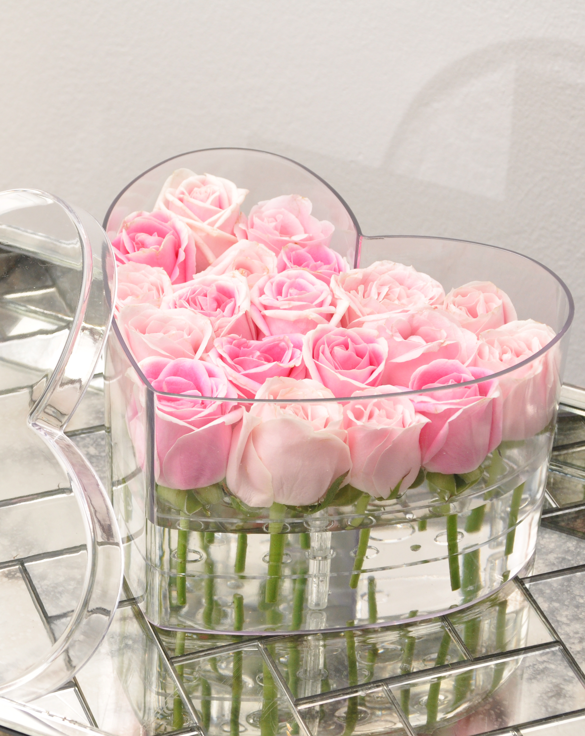 Buy flower KL roses in plexiglass